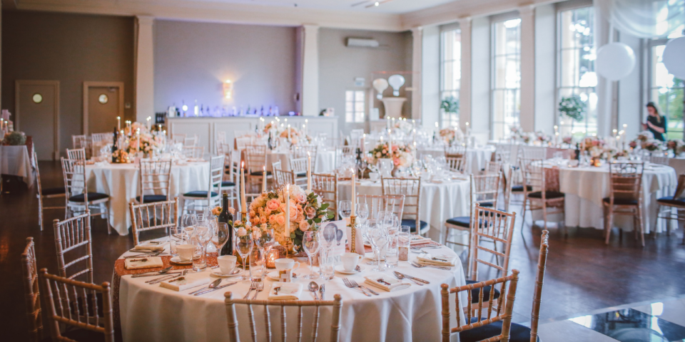 your-guide-to-wedding-seating-chart-etiquette