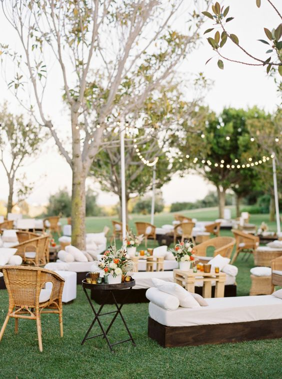 9-essential-covid-19-faqs-to-include-on-your-wedding-website
