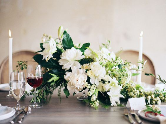 how-to-choose-your-wedding-flowers-by-season