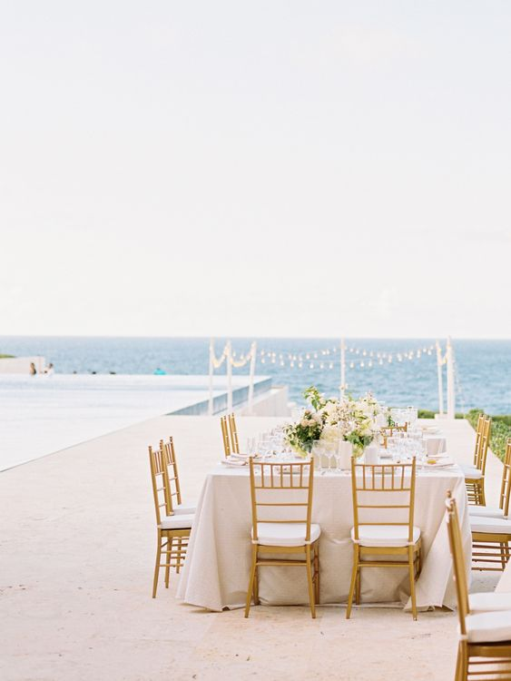 8-destination-wedding-dos-and-donts