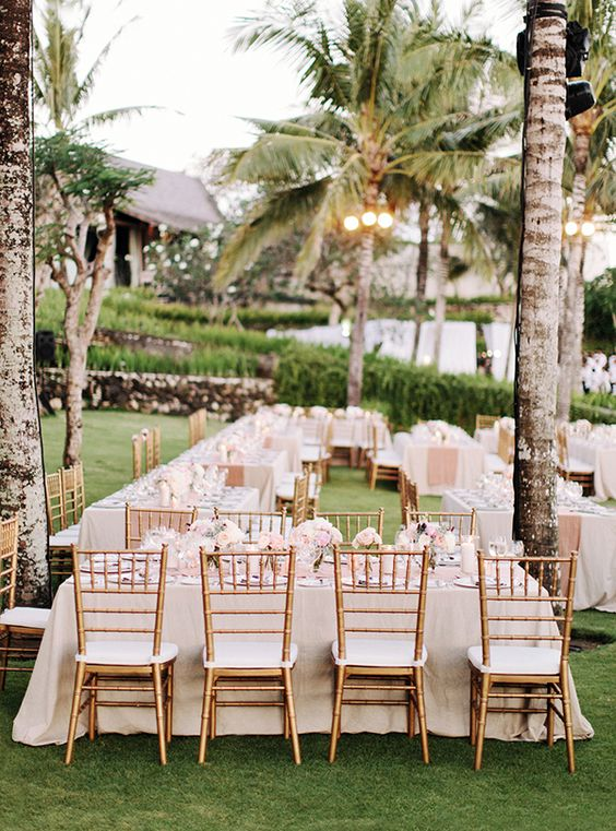what-to-include-on-your-destination-wedding-website