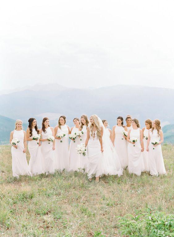 10-wedding-planning-tasks-you-can-delegate