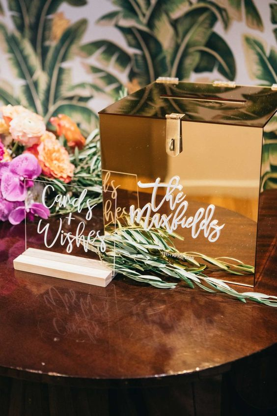 what-to-write-in-a-wedding-card:-wording-tips