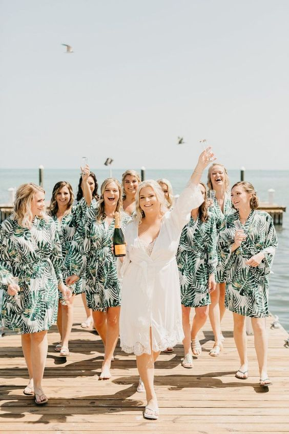 6-helpful-ways-to-minimise-costs-for-your-bridesmaids-(or-6-ways-to-help-your-bridesmaids-save-money)