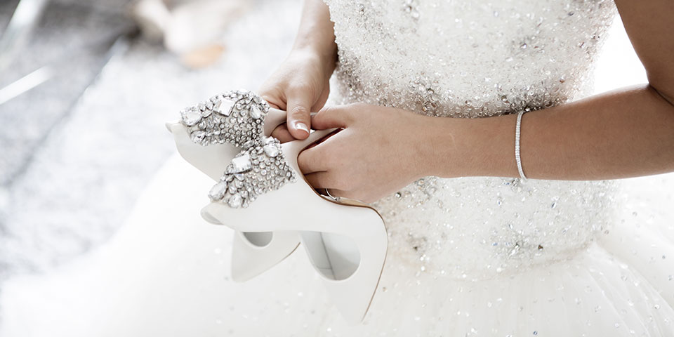 wedsites-blog-11-australian-designers-to-follow-for-bridal-accessories