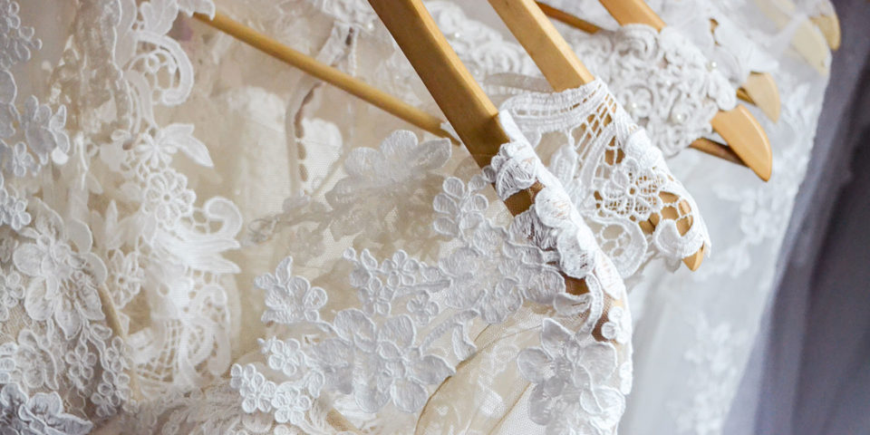 wedsites-blog-7-things-know-start-wedding-dress-hunting